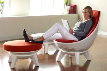 A Lounge Chair Than You Can 'Lean On'
