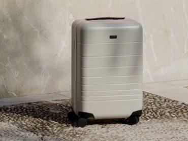 Monos Luggage: The Pristine Suitcase