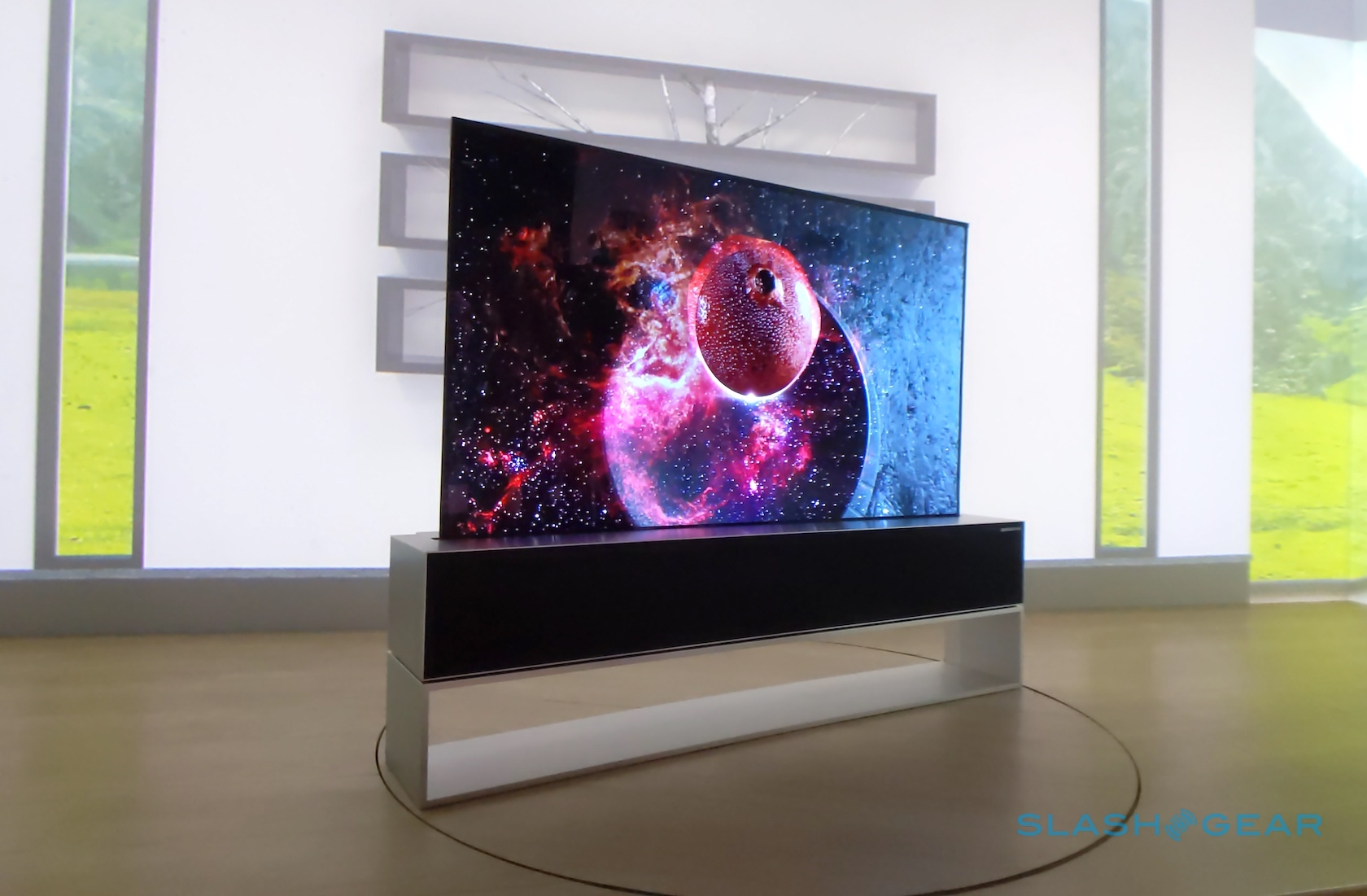 lg rollup tv