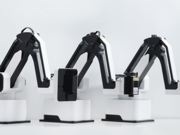 This Robot Arm is Your New Desk Friend