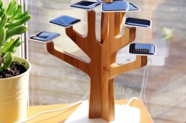 SOLAR BATTERY CHARGER THAT LOOKS LIKE A BONSAI TREE