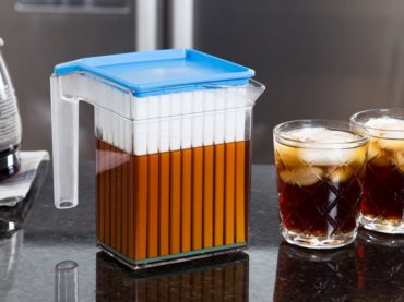 TURN YOU HOT BEVERAGE INTO A FREEZING COLD ONE IN TWO MINUTES