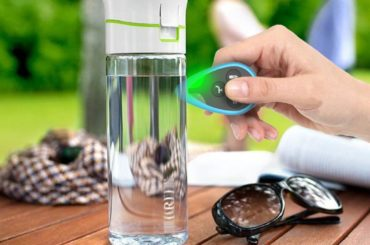 TEST YOUR DRINKING WATER WITH THIS TINY COOL GADGET