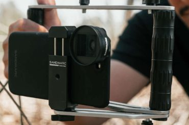 CINEMA QUALITY CAMERA CONTROL FROM THIS SMARTPHONE STABILIZER RIG