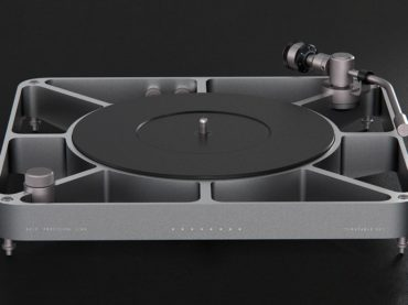 SIMPLY BEAUTIFUL TURNTABLE THAT WILL BRING MEMORIES TO YOUR EARS