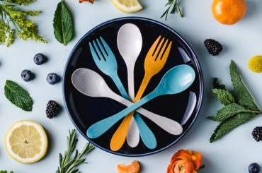 RECYCLE CUTLERY MADE FROM SUGAR AND BAMBOO