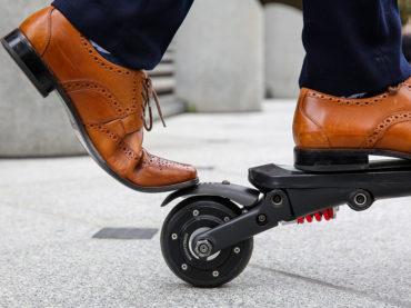 THE ELECTRIC SCOOTER THAT CAN FIT IN YOUR BACKPACK