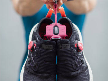 BEST SHOE CLIPS TO HANG YOUR SHOES OUTSIDE YOUR BACKPACK