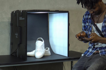 THE FIRST SMART LIGHT BOX THAT DELIVERS YOU BEST PHOTOGRAPHY RESULTS