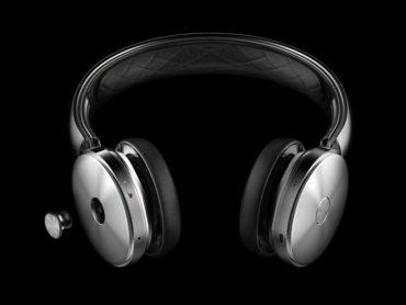 EARPHONES, HEADPHONES, SPEAKER TRIO