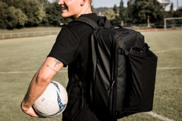 SPORTS BAG THAT CAN BE USED AS A TRAVEL BACKPACK