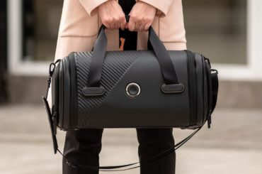 SMART LUGGAGE THAT HAS FACE RECOGNITION